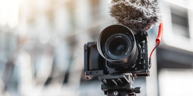 Camera for vlogging and filming